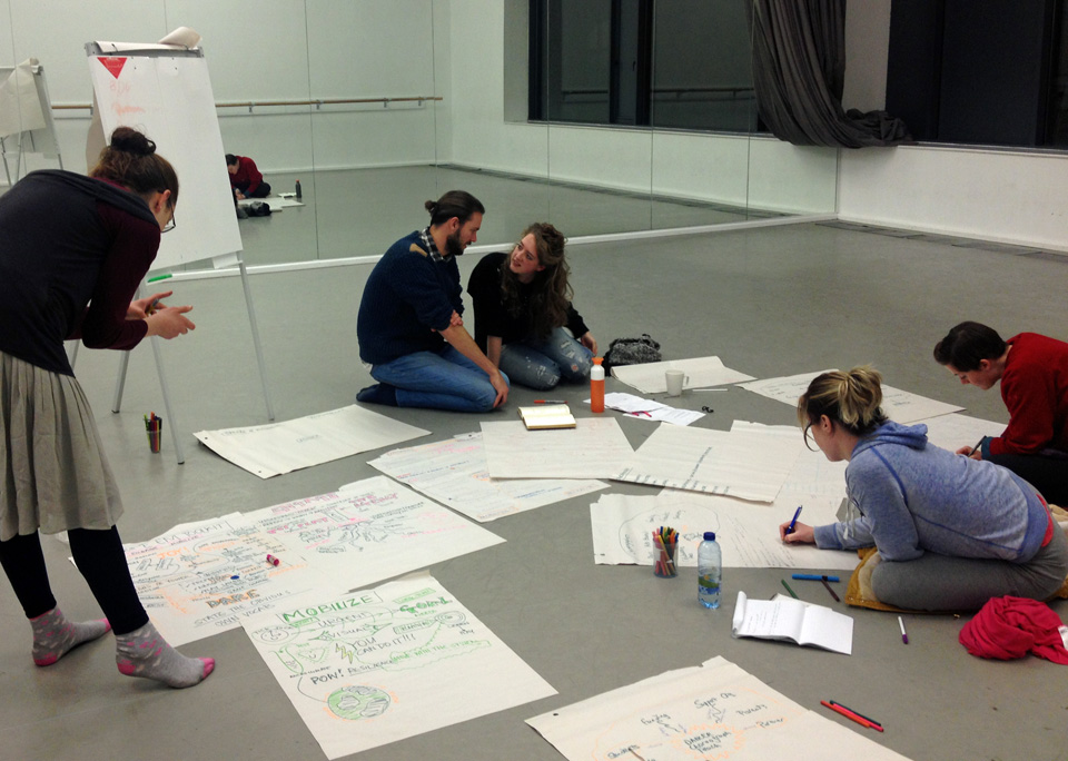 Dramaturgy Workshop For Dancers With Merel Heering
